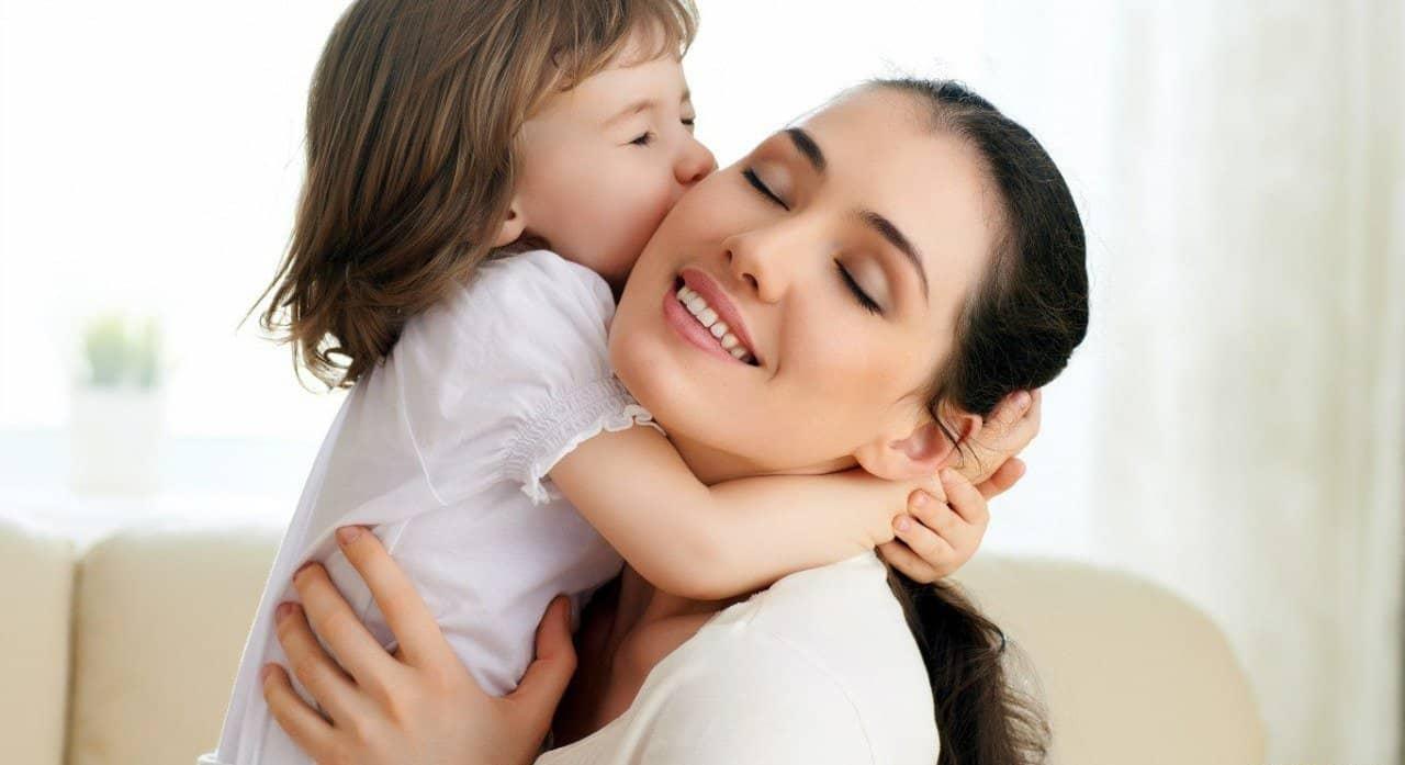 صورة كلمات مؤثرة عن الام , ما يمكن قوله عن الام