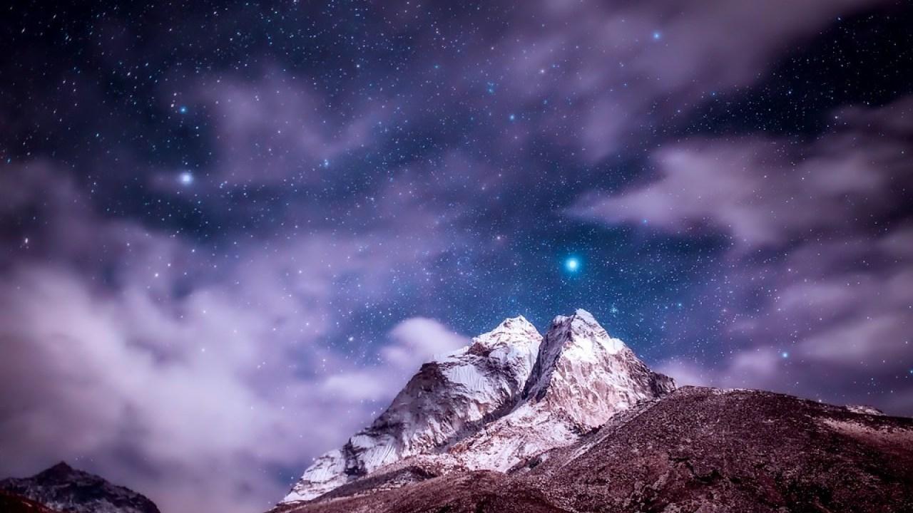 صورة رؤية النجوم في السماء في المنام , يعنى ايه اشوف نجوم في حلمي