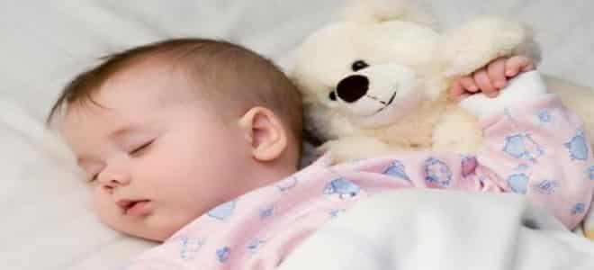 صورة قبلات الطفل في المنام , قبلة طفل في الحلم