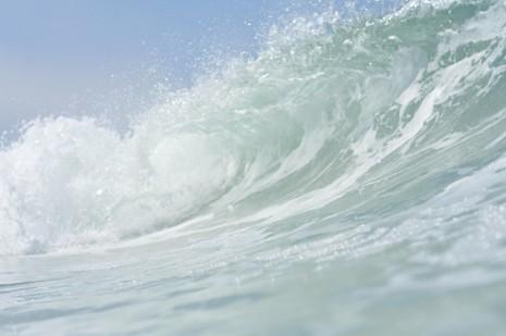 صورة هيجان البحر في المنام , ماذا يعني رؤية الامواج العالية في المنام
