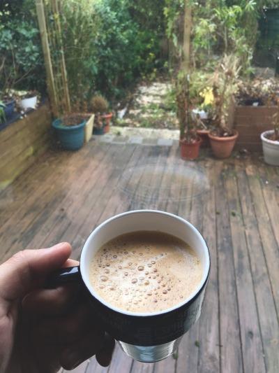 صورة رمزيات قهوة الصباح , فنجان القهوة على الصبح احلى شئ في الدنيا