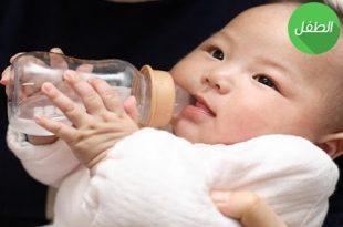 صورة الاطفال حديثي الولادة شرب الماء , عايزة اشرب ابني مياه وهو عنده شهرين