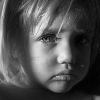 صورة اجمل الصور اطفال حزينه , حبيبي الصغير زعلان ليه قوي كدا