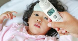 صورة اضرار ارتفاع الحرارة عند الاطفال , حاولي ان لا تزيد حرارة طفلك عن 38 لانه خطر عليه