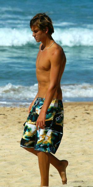 صورة لبس بحر رجالى , اناقة البحر والمصايف واو روعة