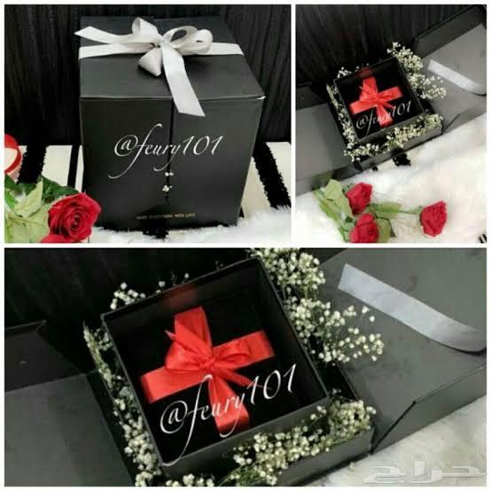 صورة تزيين هدايا بالورد , طريقة سهلة عشان تلف بيها الهدايا 3515 2