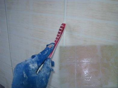 صورة طريقة تنظيف السيراميك من الاسمنت الابيض , وصفات سهلة للتخلص من الاوساخ على السيراميك