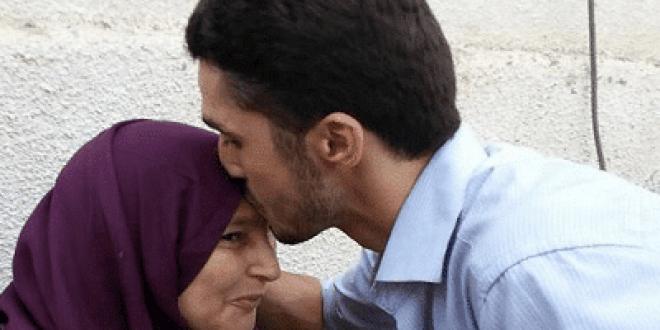صورة تقبيل الراس في المنام , شوف تفسير قبلة الراس في المنام