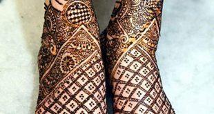 صورة ارسمي حناء علي قدمك , نقش حناء رجل