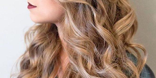 صورة لو شعرك ويفي اتفرجي علي التسريحات دي , تسريحة شعر ويفي