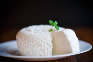 صورة طريقة تحضير الجبن , استمتعي بتحضير اجمل جبنة في البيت unnamed file 268 300x200